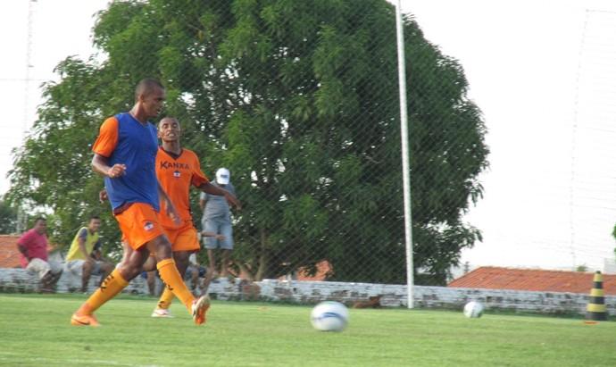 Tricolores mostram frustração após eliminação da Copa do Nordeste (Foto: Emanuele Madeira/GloboEsporte.com)