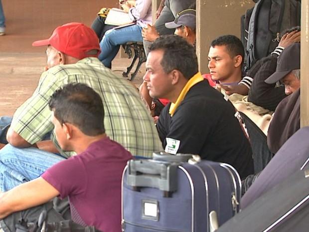 Trabalhadores que deixaram Maranhão com promessa de emprego em Ribeirão Preto se dizem enganados (Foto: Reprodução/ EPTV)
