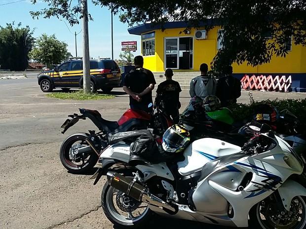 racha motos (Foto: Divulgação/PRF)