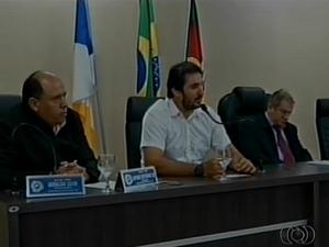 Discussão sobre a liberdade de culto e poluição sonora divide opiniões em Araguaína (Foto: Reprodução/TV Anhanguera)