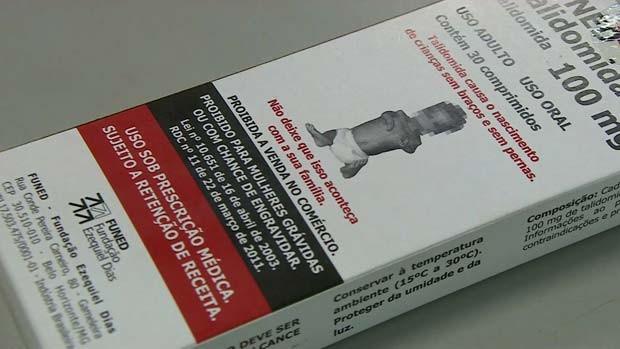 Mulheres que recebem prescrição de talidomida no Brasil são orientadas a utilizar duas formas de contracepção. Elas também passam por testes regulares de gravidez.  (Foto: BBC)