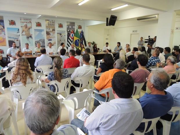 Reunião foi na Prefeitura de Mogi das Cruzes (Foto: Carolina Paes/G1)