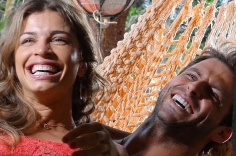 Grazi Massafera e Henri Castelli em 'Flor do Caribe' (Foto: Divulgação)