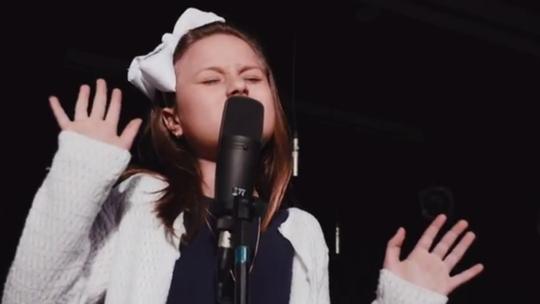 Rafa Gomes, do 'The Voice Kids', grava para campanha de Dia das Crianças com orquestra infantil