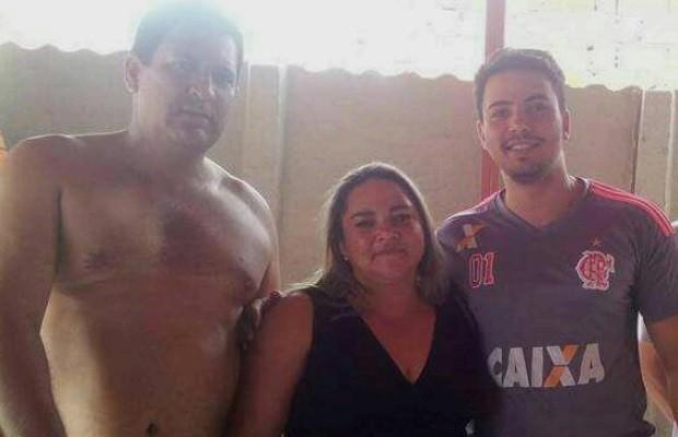 Homem mata enteado, atira contra a ex e depois comete suicídio, em Goiás (Foto: Reprodução/TV Anhanguera)