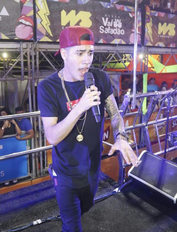 MC Kevinho cantou com Wesley Safadão (Foto: Fred Pontes/Balada In/Divulgação)