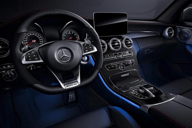 Mercedes C43 Night Edition (Foto: Divulgação)