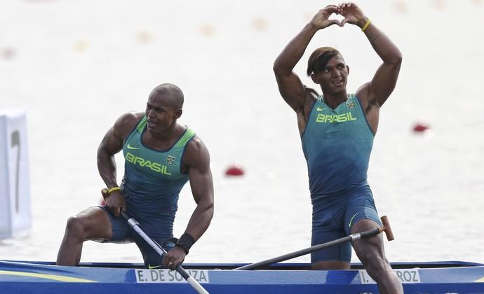 Erlon de Souza Silva e Isaquias Queiroz; prata;  C2 1.000m; canoagem (Foto: REUTERS/Marcos Brindicci)