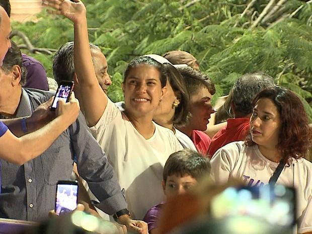Raquel Lyra saiu em carreata para comemorar vitória em Caruaru (Foto: Reprodução/TV Asa Branca)