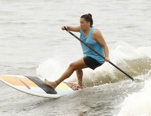 Kate Brandi Stand up paddle (Foto: Ricardo Saibun / Divulgação)