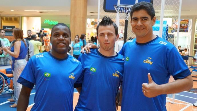 Jefinho, Ricardinho e Toni, da seleção brasileira de futebol de 5 (Foto: Divulgação/Ideia Comunicação)
