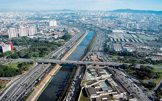Rio Tietê l Brasil, São Paulo (Foto: Delfim Martins/Pulsar)