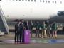 """Chama olímpica chega, e piloto recebe votos de """"paz e união entre as nações"""""""