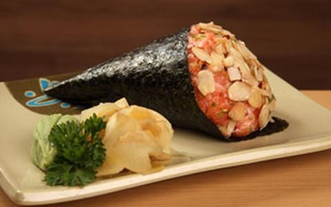 Temaki crocante de salmão