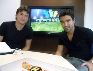 Deco e Rubens Júnior, que lançam juntos um site para jogadores de futebol (Foto: Julyana Travaglia)
