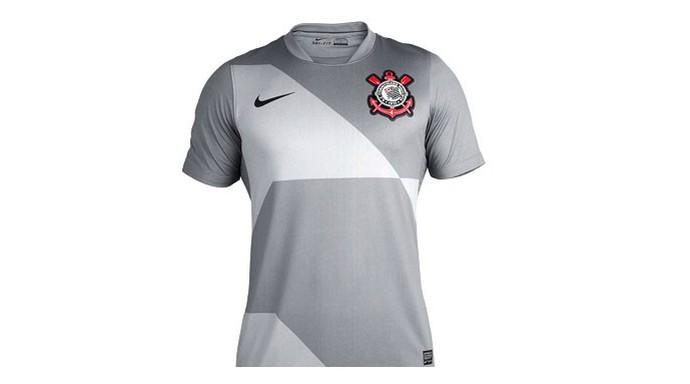 Camisa Corinthians cinza (Foto: Dilvulgação)