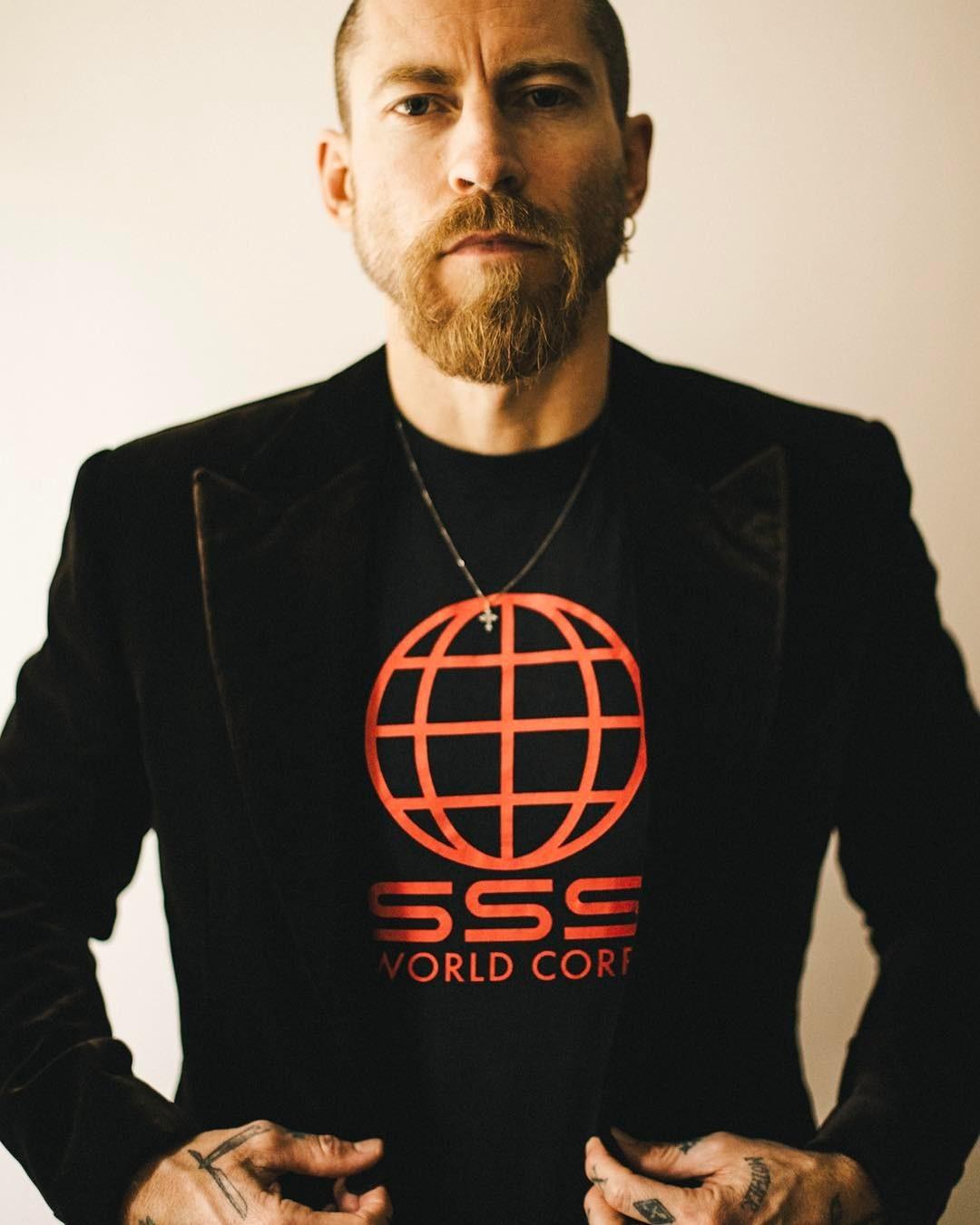 Justin O'Shea e sua nova marca de roupas masculinas de streetwear de luxo  (Foto: Reprodução/Instagram)