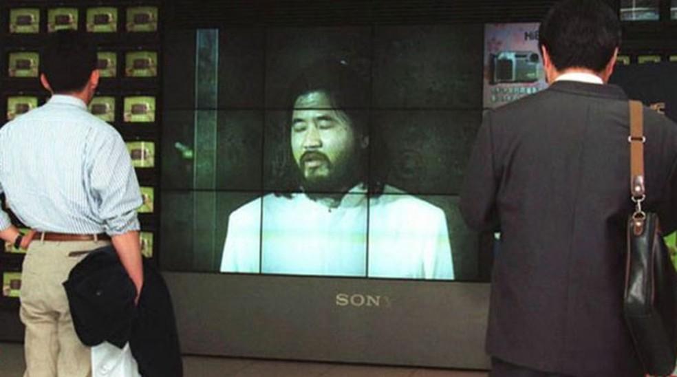Shoko Asahara, da seita Verdade Suprema, aparece em TV no Japão, onde aguarda execução de pena de morte por atentado no metrô em 1995 (Foto: Getty)