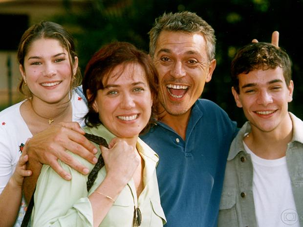 Tati (Priscila Fantin), Cláudia (Lília Cabral), Rubens (Paulo Gorgulho) e Marquinhos (Daniel de Oliveira) em Malhação