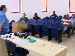 Sucen faz treinamento de agentes da dengue temporários em Ribeirão Bonito (Foto: Felipe Lazzarotto/ EPTV)