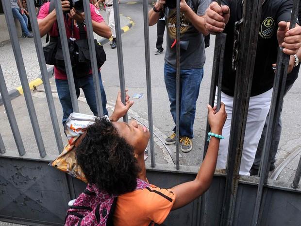 SÁBADO (8) - Rio de Janeiro 9RJ) - Amanda Alli se atrasou no caminho do Subúrbio até a Tijuca (Foto: Alexandre Durão/G1)