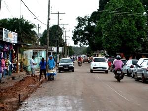Poucas vias são asfaltadas em Pedra Branca do Amapari (Foto: Abinoan Santiago/G1)
