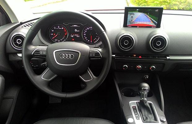 Audi A3 Sedan nacional (Foto: Peter Fussy/G1)