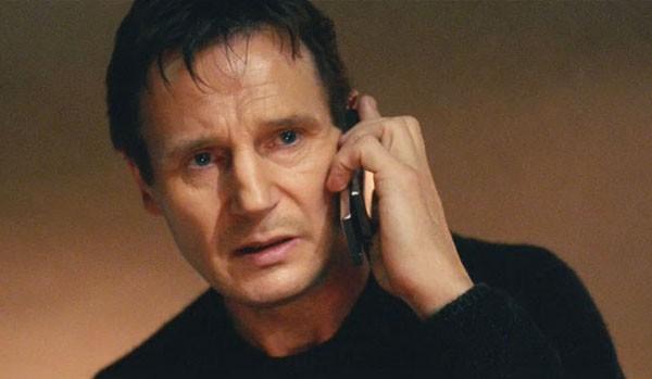 Em Busca Implacável, Neeson diz sua icônica frase Eu vou procurar você, eu vou achar você e eu vou matar  (Foto: Divulgação)