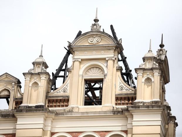 Marcas do incêndio são vistas no prédio do Museu da Língua Portuguesa, na Luz, região central de São Paulo (Foto: Fábio Tito/G1)
