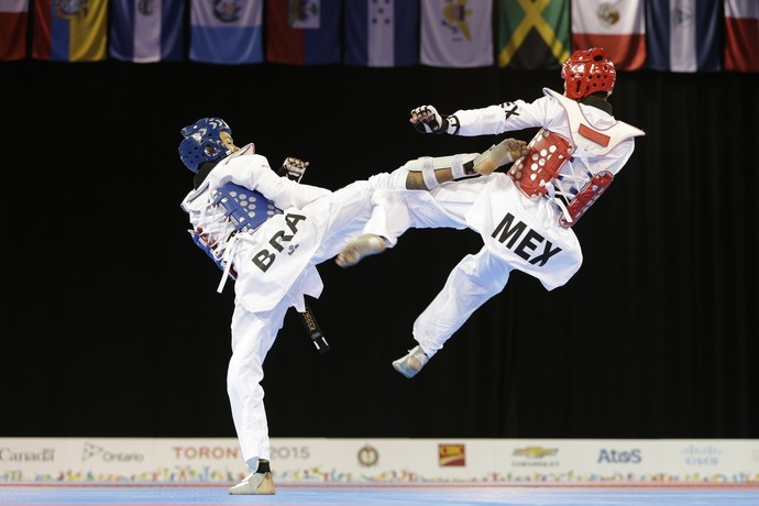 Venilton Torres, taekwondo, Carlos Navarro, México, Brasil, Pan de Toronto (Foto: Felipe Dana/ AP)