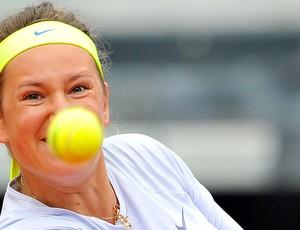 Victoria Azarenka tênis contra Sara Errani  (Foto: AFP)