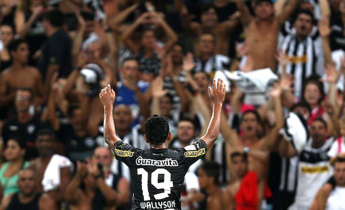 Wallyson comemoração Botafogo e Deportivo Quito (Foto: EFE)