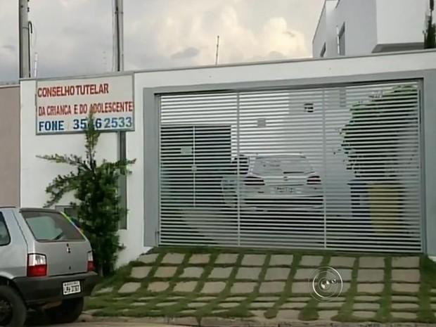 Conselho Tutelar de Buri teve eleições para empossar cinco conselheiros (Foto: Reprodução/ TV TEM)