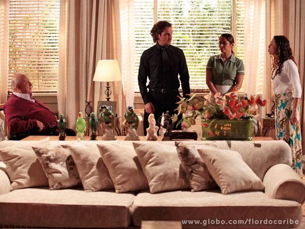 Bibiana diz poucas e boas para Dionísio (Foto: Flor do Caribe / TV Globo)