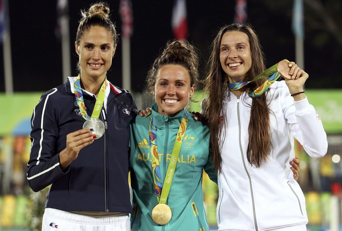 Chloe Esposito (AUS) é ouro, Elodie Clouvel (FRA), prata, e Oktawia Nowacka (POL), bronze (Foto: REUTERS/Edgard Garrido)
