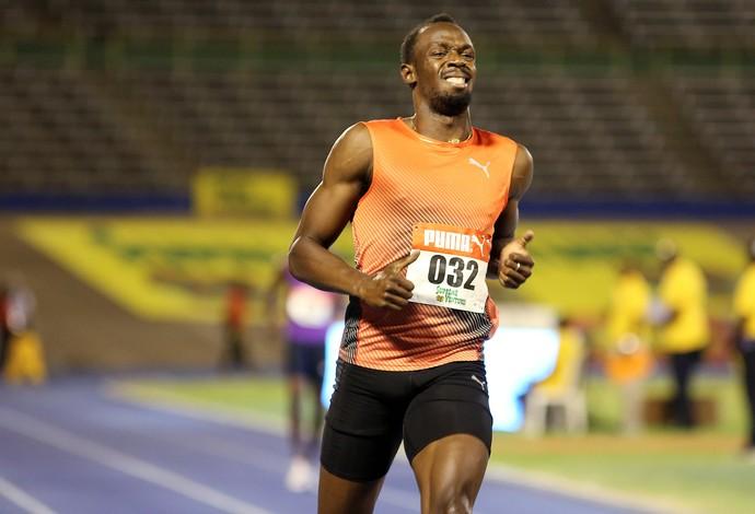 Usain Bolt avançou à semifinal dos 100m na seletiva da Jamaica de atletismo (Foto: Reuters)