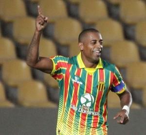 Robert marcou quatro gols na partida diante do Balsas (Foto: De Jesus/ Jornal O Estado)
