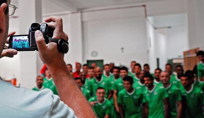 Elenco do Guarani grava vídeo para convocar torcida na reta final da Série A2 (Foto: Rodrigo Villalba / Memory Press)
