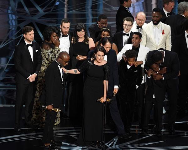Moonlight ganha o grande prêmio da noite (Foto: Getty Images)