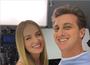 Angélica e Luciano Huck fazem selfie em tarde de trabalho juntos