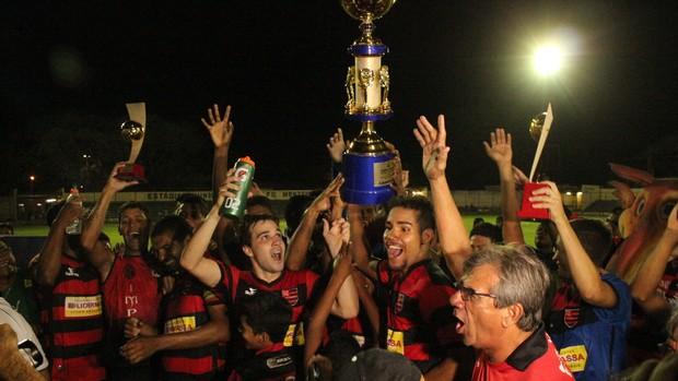 Flamengo-PI campeão Copa Piauí 2013 (Foto: Renan Morais/GLOBOESPORTE.COM)