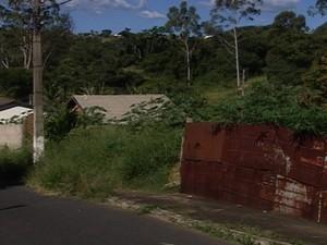 Araxá Lotes Bairro Tiradentes (Foto: Reprodução/TV Integração)