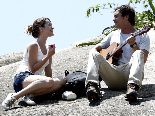 Casal de protagonistas roda cenas cheias de sintonia (Foto: Fábio Rocha/ Gshow)
