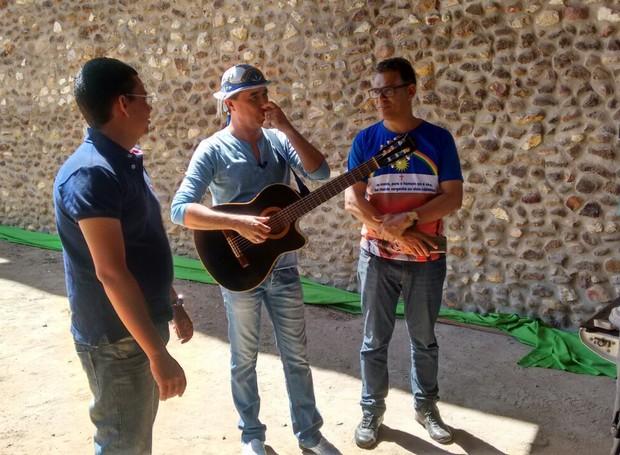 Equipe gravou em diversas cidades do Sertão de PE (Foto: Institucional/TV Grande Rio)
