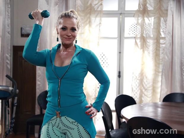 Alexandra conta os segredos de sua boa forma (Foto: Malhação / TV Globo)