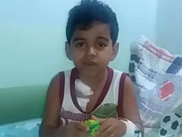 Thallysson Rodrigues, de 7 anos, que tem leucemia, luta para conseguir um transplante de medula, em Goiás (Foto: Reprodução/TV Anhanguera)