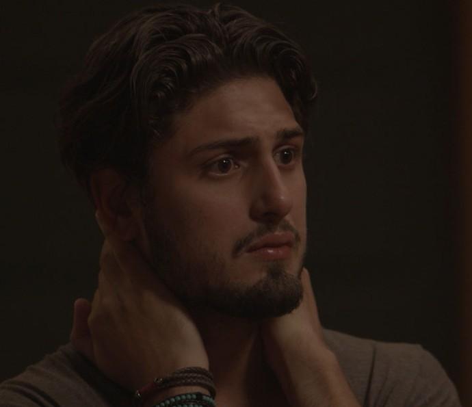 Rafael tenta reatar com Lili após saber da morte de Sofia (Foto: TV Globo)