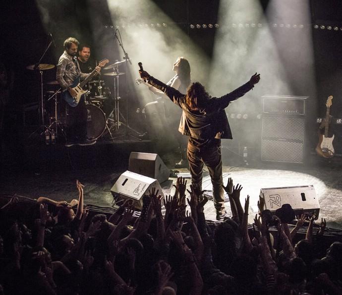 Gui se joga na plateia (Foto: Felipe Monteiro/Gshow)