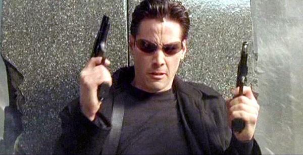 Keanu Reeves em Matrix (1999) (Foto: Divulgação)