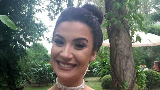 Gargantilha choker está na moda, e a blogueira Bianca Andrade mostra como fazer